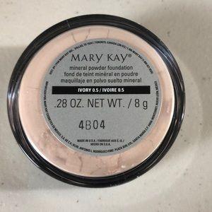 Mary Kay Mineral Powder Foundation Ivory 0.5